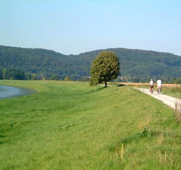 Radfahrer_ Vlotho an der Weser